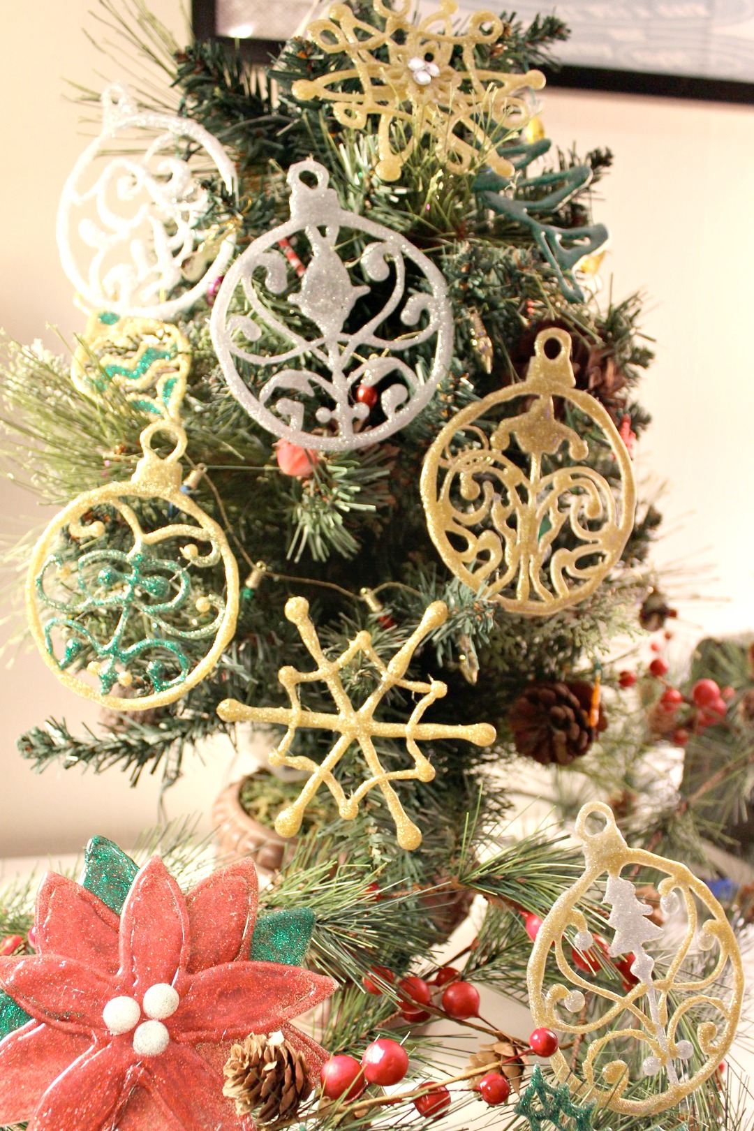 all ornaments on tree cropped